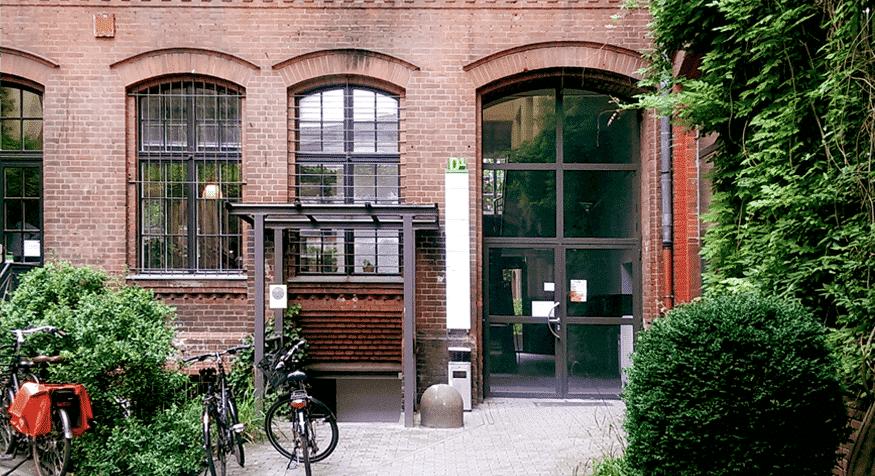 Aufgang D1 im Gewerbehof Bülowbogen